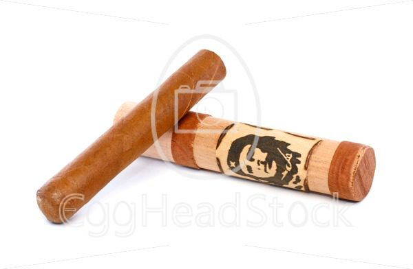 Cuban cigar and cigar case with picture of Che Guevara - EggHeadStock