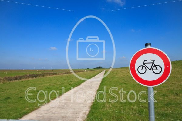No cycling along dike at the Dollard in Northern Germany - EggHeadStock