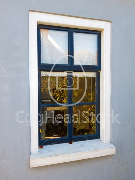 Simple window in a smooth plastered wall - EggHeadStock