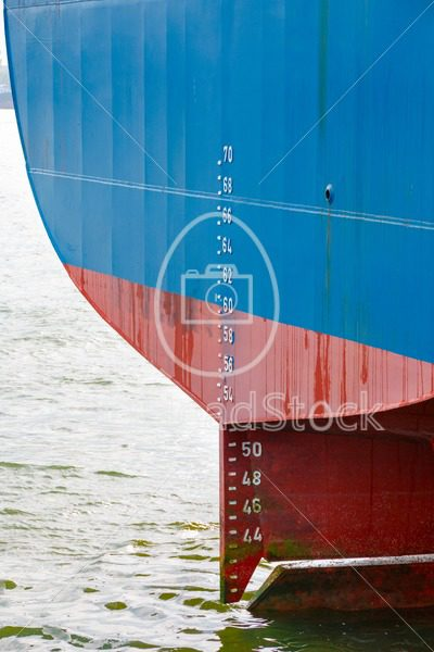 Stern of large ship with draft scale - EggHeadStock