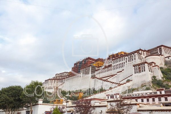 The Potala Palace, once the chief residence of the Dalai Lama - EggHeadStock