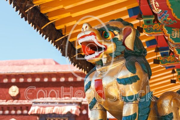 Tibetan bronze Snow Lion in Lhasa - EggHeadStock