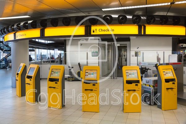 Check-in kiosks at Amsterdam Schiphol Airport - EggHeadStock